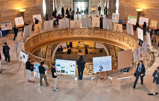 Undergraduate Researchers Visit the Capitol