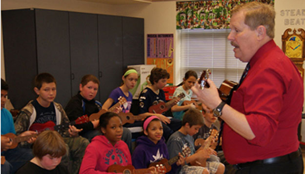 Elementary Students enjoy Ukelele Workshop