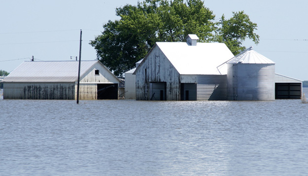 A flooded farm. Image courtesy of USDA.gov