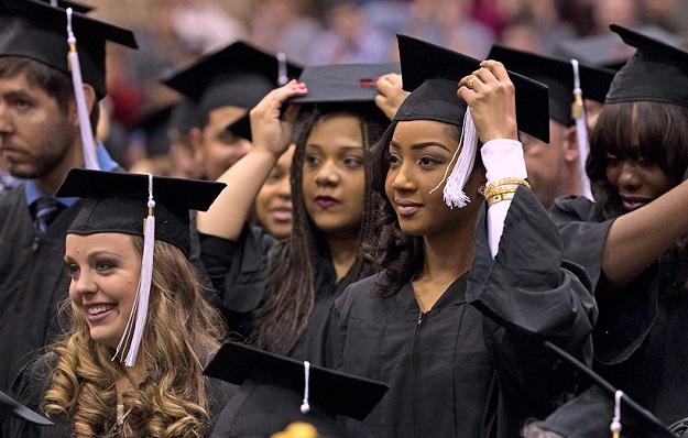 UMSL celebrates 1,600 grads