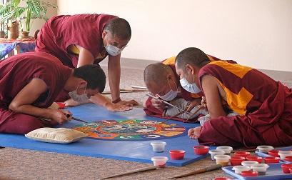 Tibetan monks visit UMSL