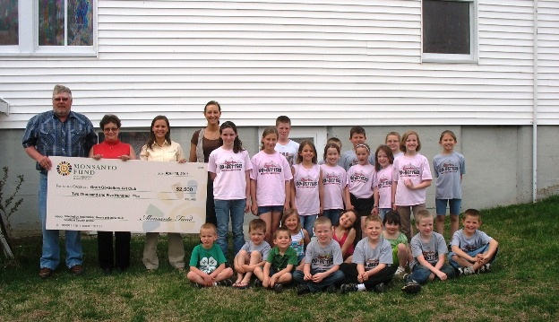 Gorin Go-Getters 4-H Club presented with $2500