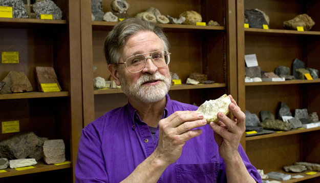UMSL Geologist to Hold Class Among Volcanoes
