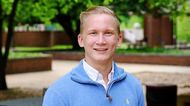 UMSL student leader named 2016 Newman Civic Fellow