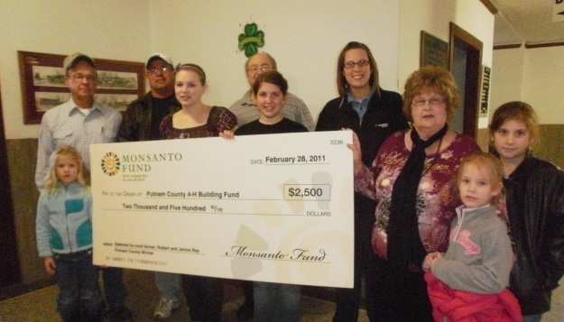 Putnam County 4H receive Monsanto Award
