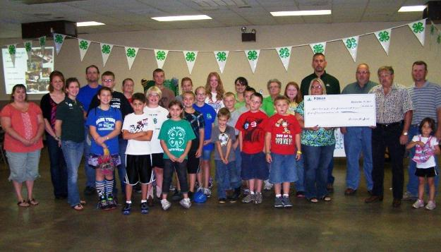Ralls County Junior Fairboard receives grant from Pioneer Hi-Bred
